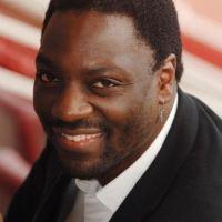 Focus sur Adewale Akinnuoye-Agbaje